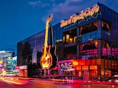Paseo en Limousine de Lujo y Cena en el Hard Rock